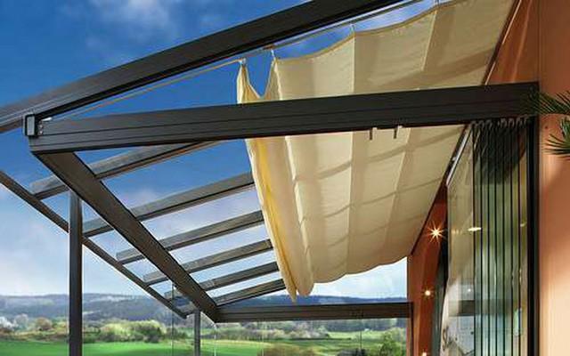 Khung mái xếp di động có thể làm bằng sắt hoặc inox