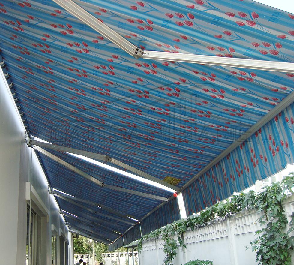 Mái bạt che trước hiên nhà