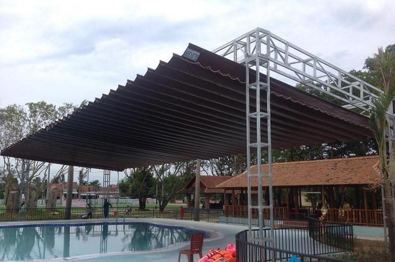 Mẫu mái xếp hồ bơi