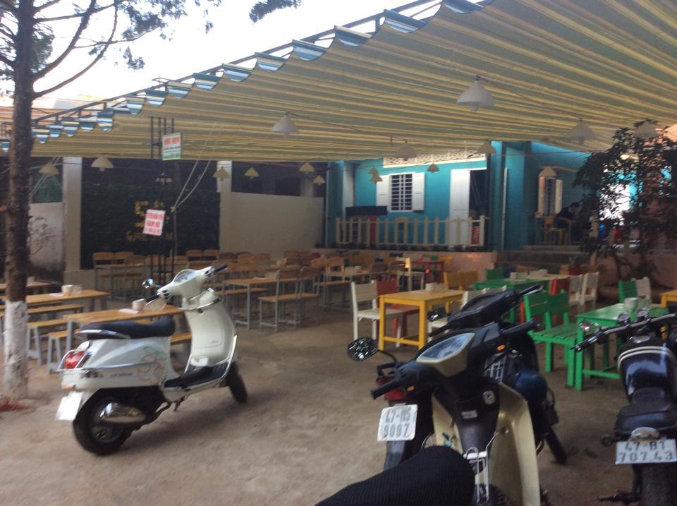Mái xếp nhà ăn