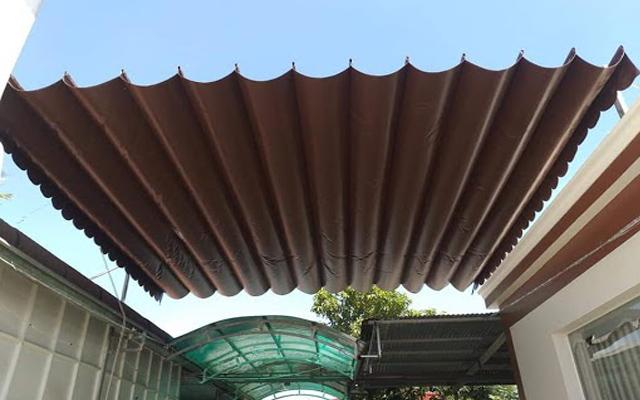Dịch vụ lắp đặt mái xếp lượn sóng di động Phương Trang